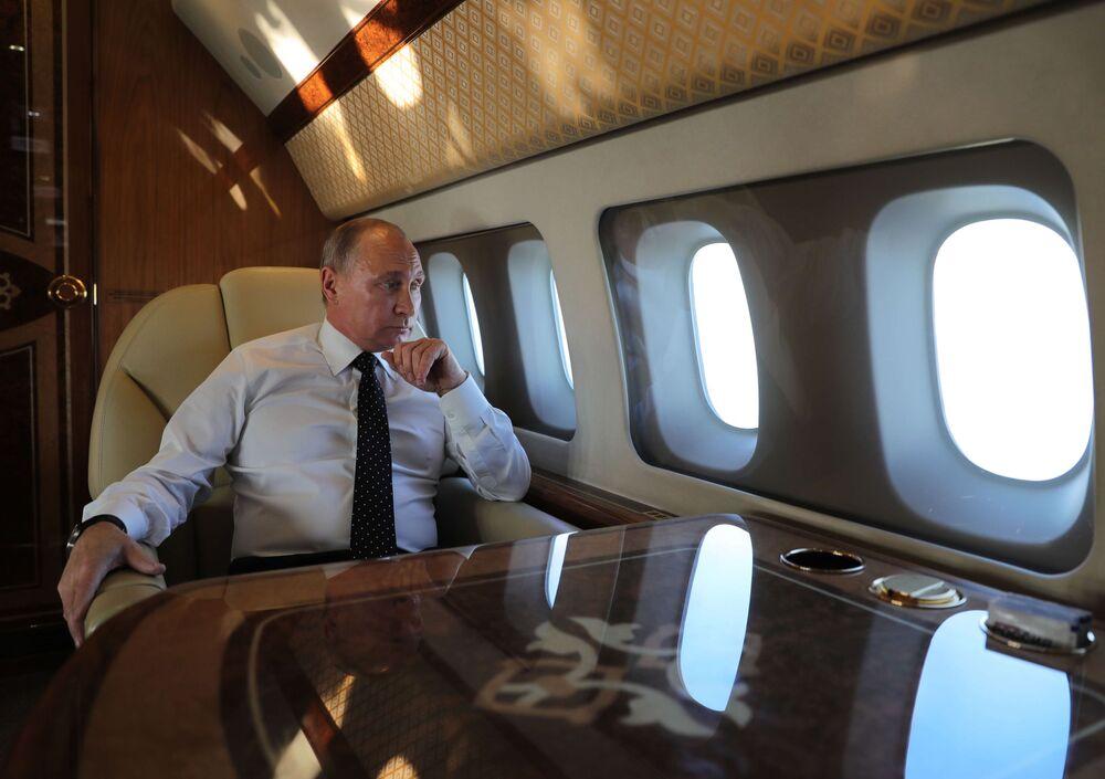 Putin na pokładzie samolotu prezydenckiego