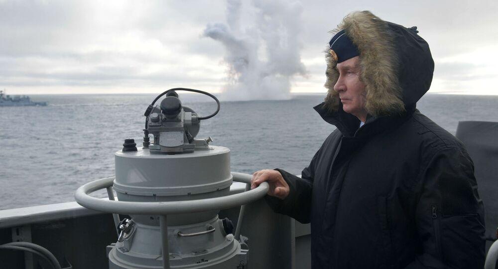 Putin podczas ćwiczeń na Morzu Czarnym