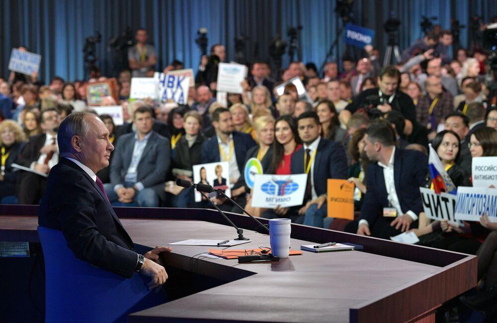 Władimir Putin podczas otwartej konferencji prasowej, 2018 rok