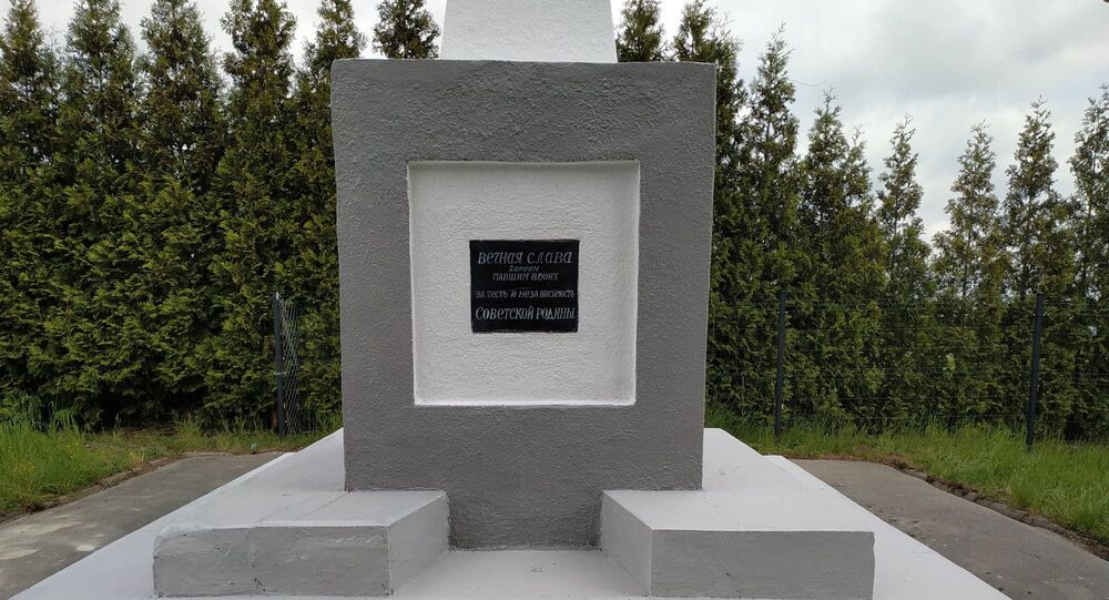 """""""Kursk"""" odbudowuje pomniki radzieckich żołnierzy w Polsce, maj 2020 roku."""