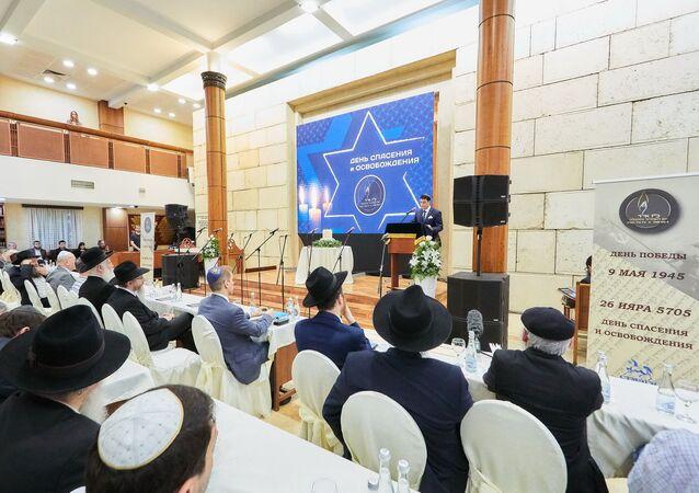 Dzień zbawienia i wyzwolenia 9 maja stanął dla Żydów religijną kontynuacją Dnia Zwycięstwa.