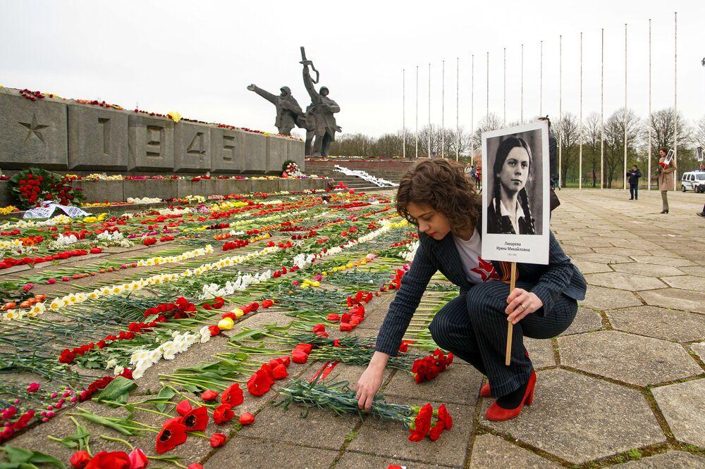 """Akcja """"Nieśmiertelny pułk"""" w Rydze"""