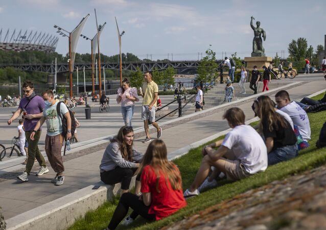 Mieszkańcy Warszawy na świeżym powietrzu