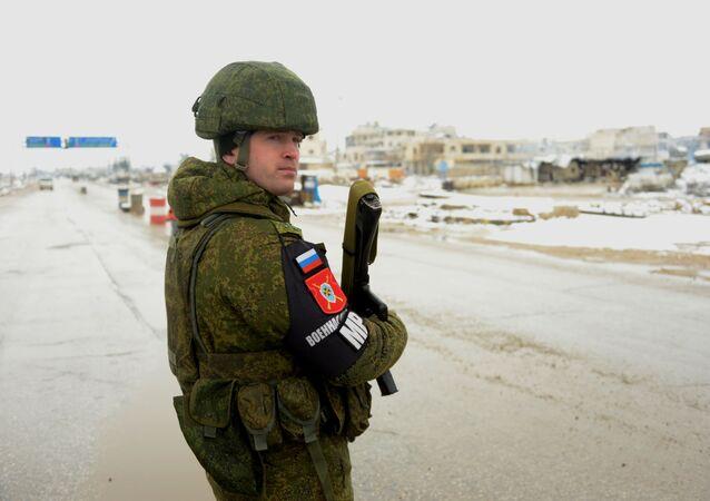 Rosyjska policja wojskowa w wyzwolonym syryjskim mieście Maarat al-Numan