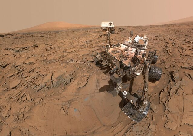 Łazik Curiosity na powierzchni Marsa