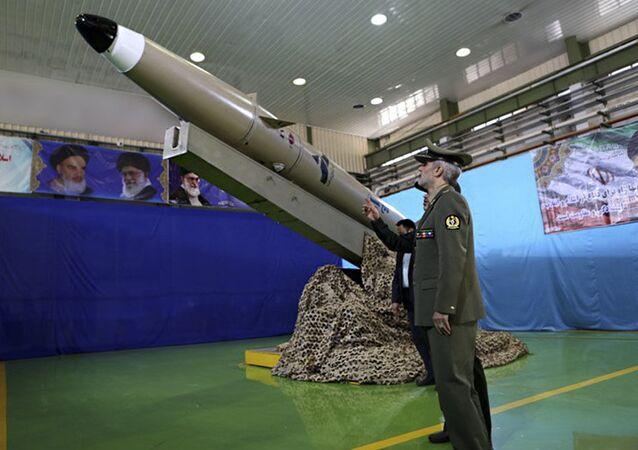 Nowa irańska rakieta balistyczna typu Fatech