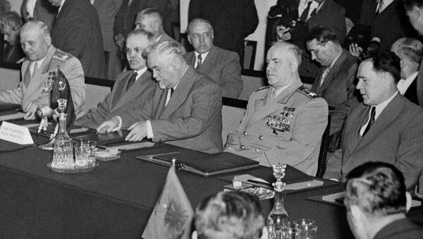 Układ podpisano 14 maja 1955 roku w pałacu Rady Ministrów w Warszawie. - Sputnik Polska