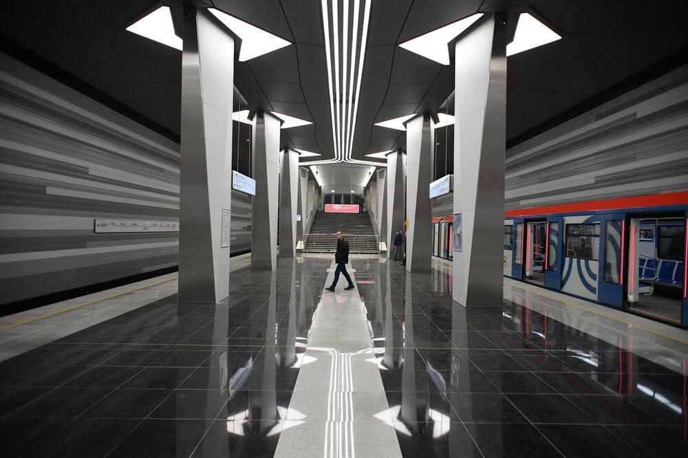"""Nowa stacja """"Awiamotornaja"""" linii Niekrasowskaja"""