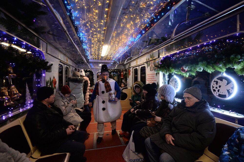 Świąteczny pociąg moskiewskiego metra