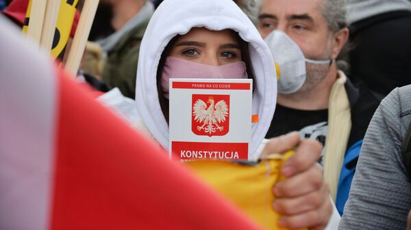 Акция против карантинных мер в Варшаве - Sputnik Polska