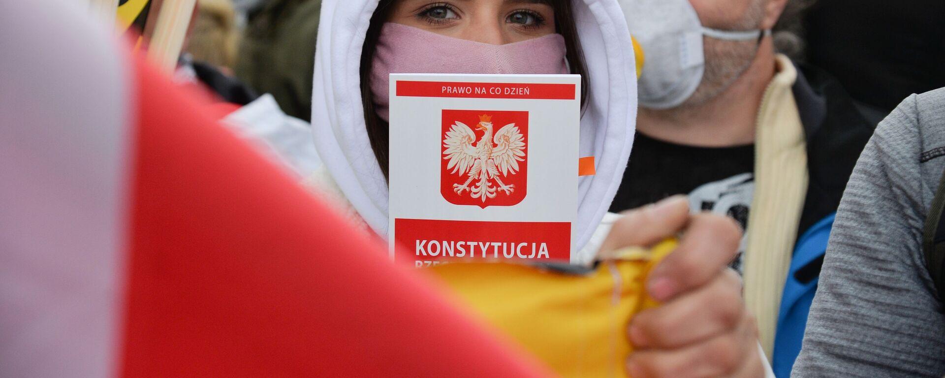 Акция против карантинных мер в Варшаве - Sputnik Polska, 1920, 06.07.2021