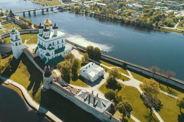 Sobór Trójcy Świętej – prawosławny sobór katedralny w Pskowie - Sputnik Polska