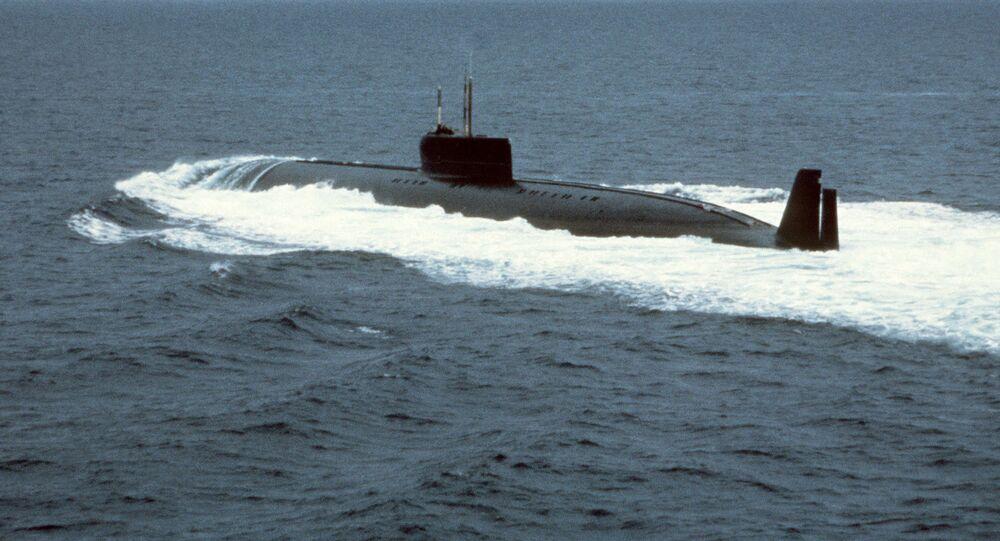 Atomowy okręt podwodny K-162 (znana również później jako K-222) podczas prób