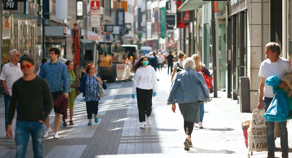 Ludzie na ulicy w Kolonii