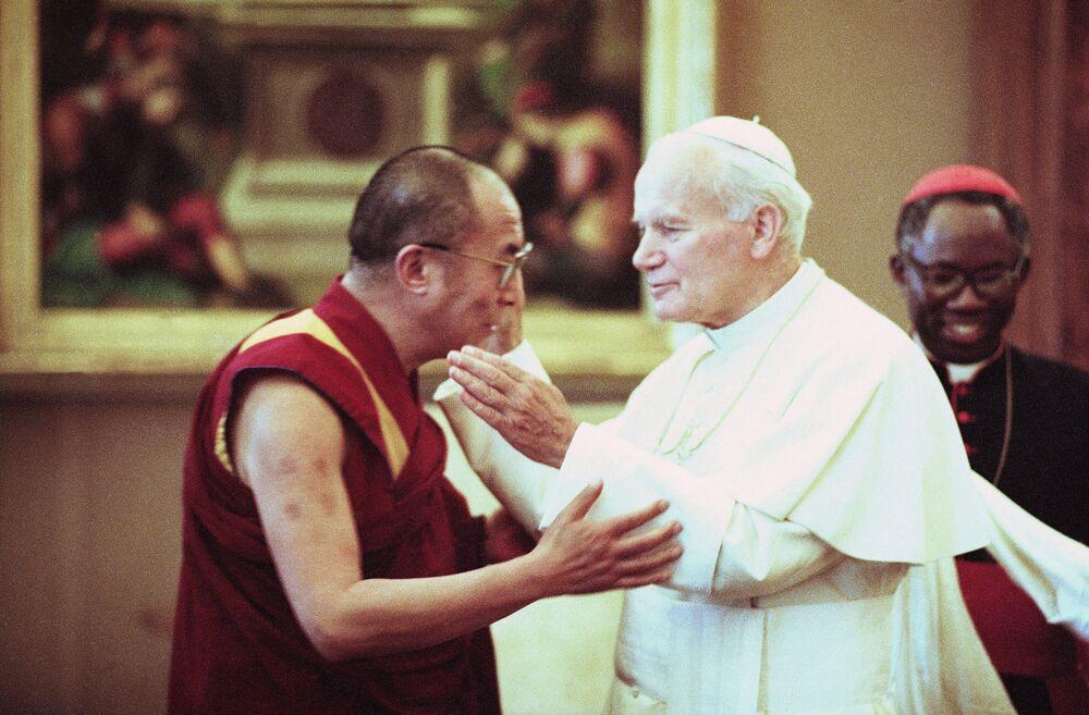 Spotkanie Papieża i Dalajlamy w Watykanie w 1990 roku