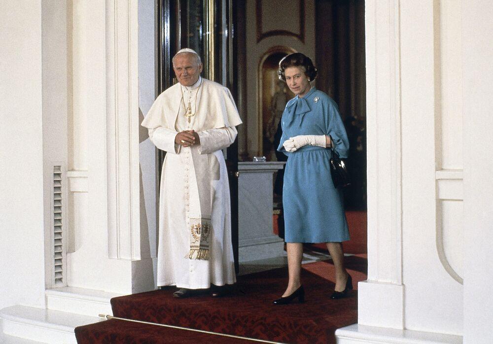 Papież z królową Wielkiej Brytanii Elżbietą II w Londynie, 1982 rok