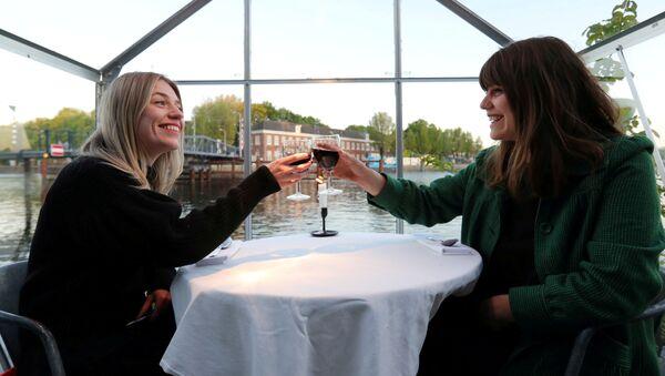 Amsterdam, eksperymentalna restauracja w czasach Covid-19 - Sputnik Polska