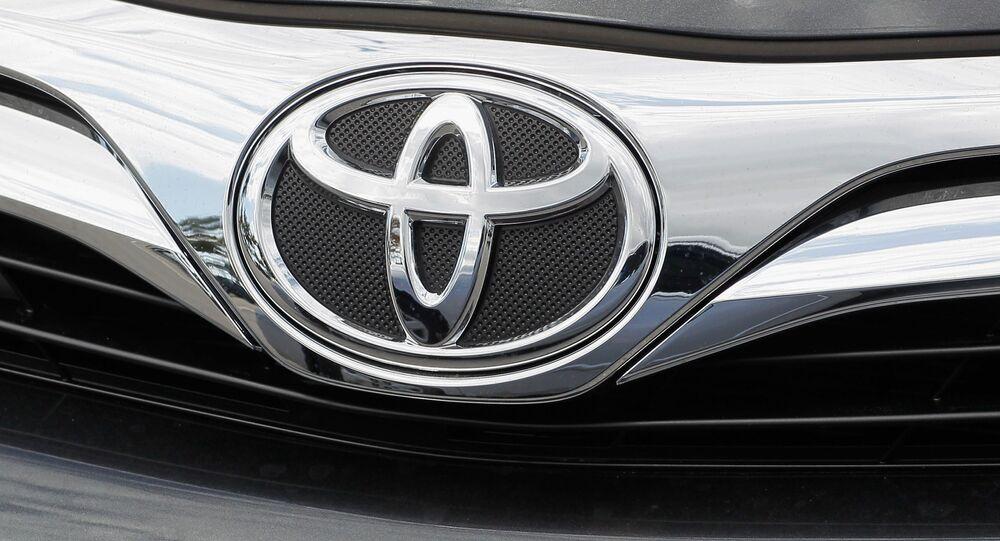 Samochód Toyota Camry