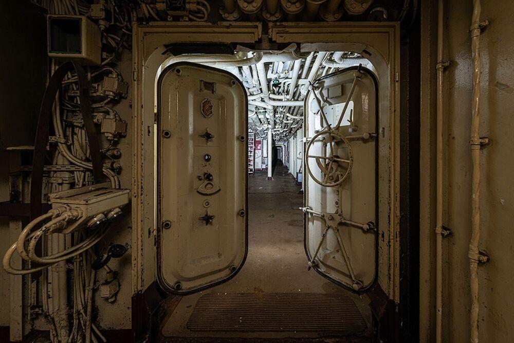 Porzucony okręt wojenny znaleziony przez blogera Boba Thiessena