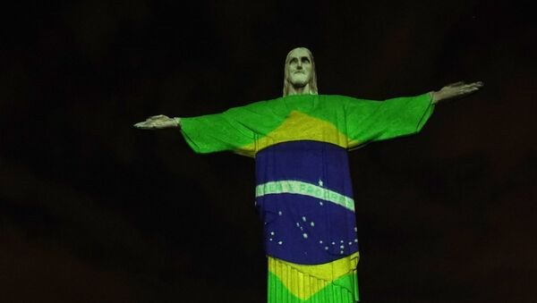Statua Chrystusa Odkupiciela z Rio de Janeiro, 12 kwietnia 2020 r. - Sputnik Polska