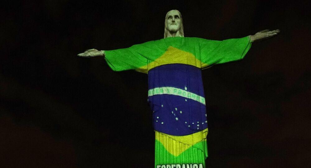 Statua Chrystusa Odkupiciela z Rio de Janeiro, 12 kwietnia 2020 r.