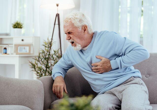 Zawał serca u starszego mężczyzny