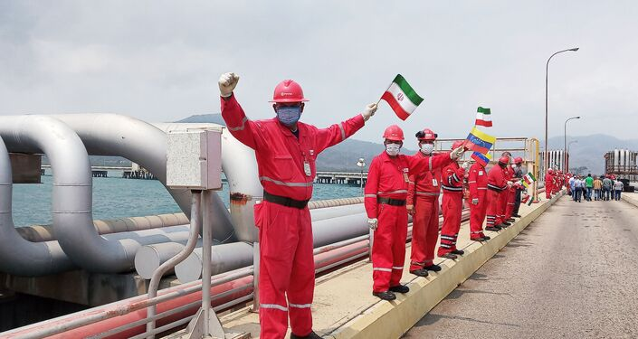 Powitanie irańskiego tankowca Fortuna w rafinerii El Palito w Wenezueli