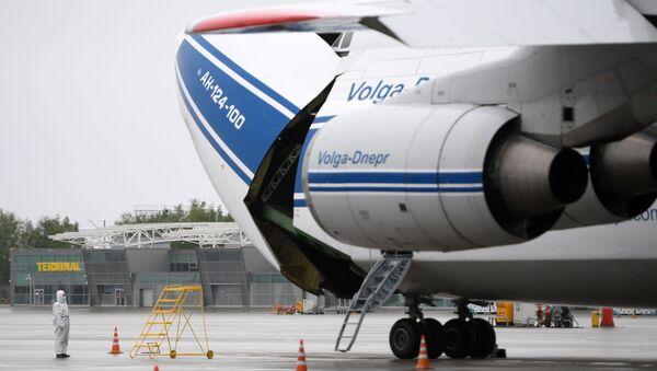 Samolot An-124-100 Rusłan przedsiębiorstwa Wołga-Dniepr na lotnisku Kazań - Sputnik Polska