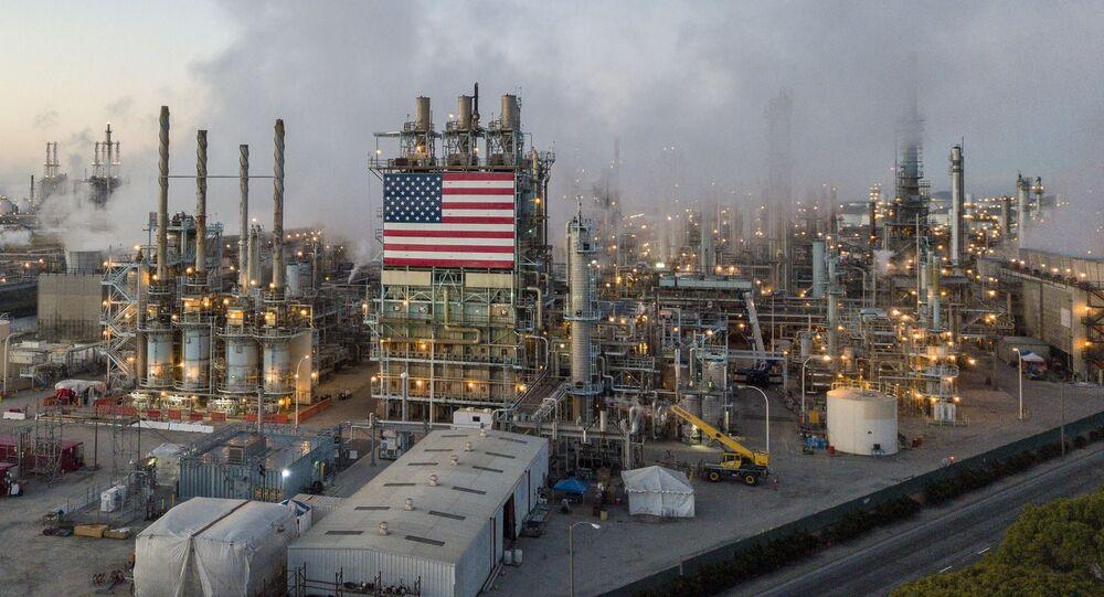 Rafineria w Los Angeles, USA.