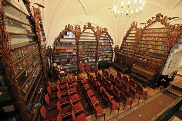 Regały w czytelni Biblioteki Wallenrodskiej w Kaliningradzie  - Sputnik Polska