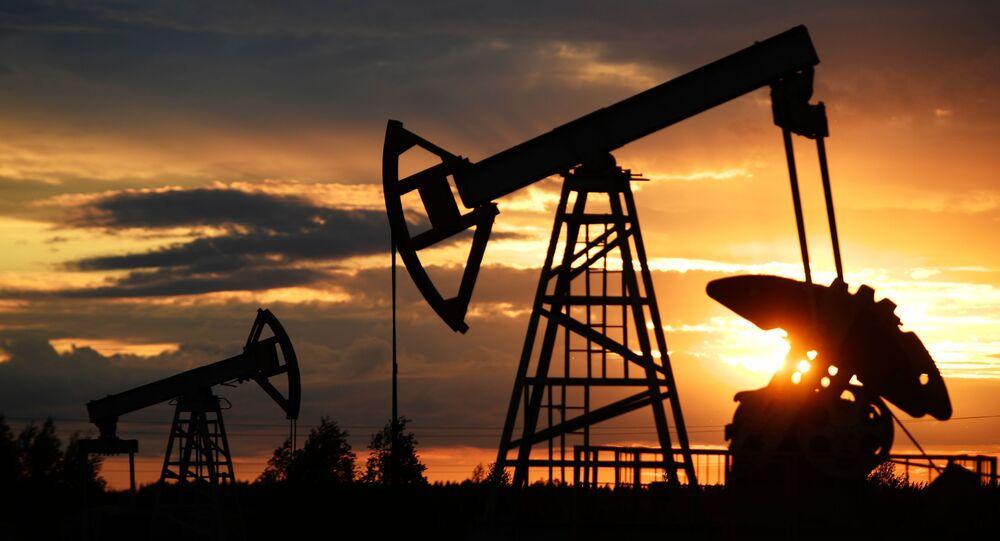Wydobycie ropy naftowej.