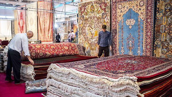 Wystawa dywanów w Teheranie - Sputnik Polska