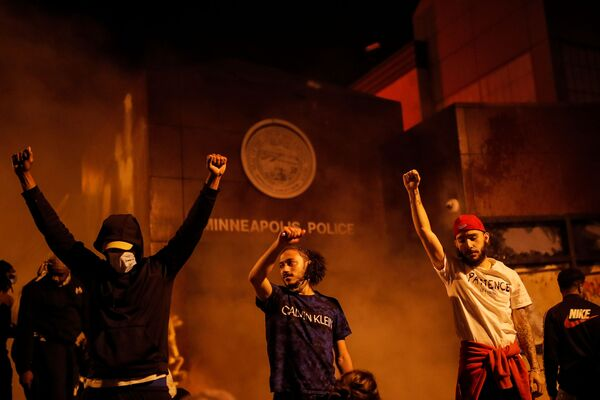 Masowe protesty w Minneapolis, USA - Sputnik Polska