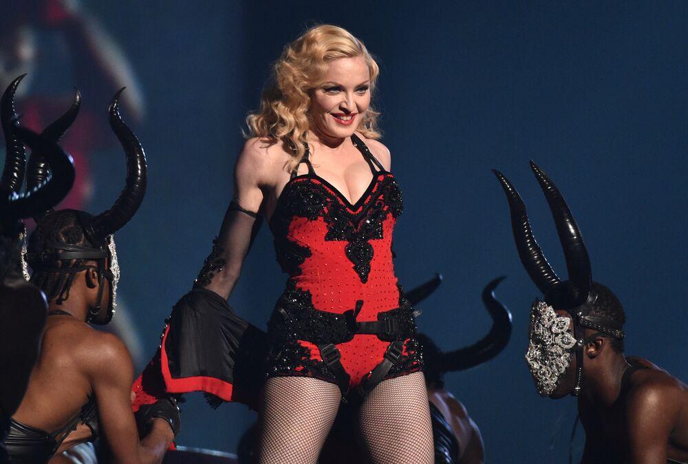 Madonna występuje w Los Angeles, 2015 rok