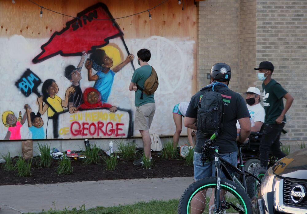 Graffiti na ścianach w Minneapolis