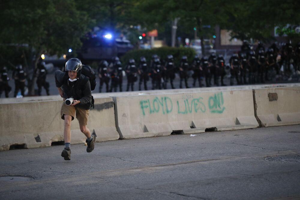 Antypolicyjne protesty w USA