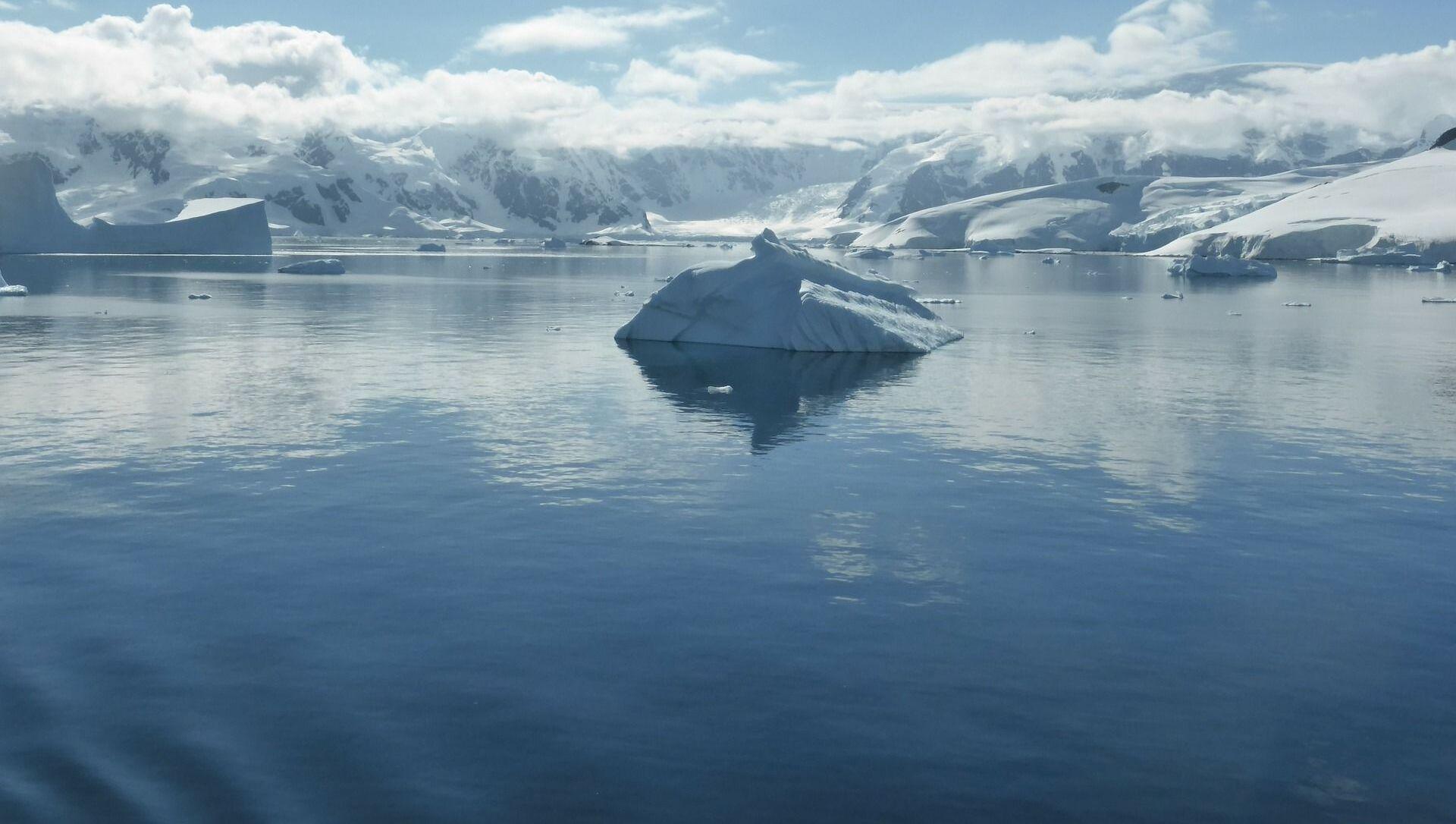 Góra lodowa na Oceanie Południowym - Sputnik Polska, 1920, 02.03.2021