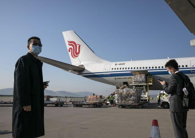 Samolot Air China na lotnisku w Atenach