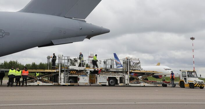 Boeing C-17 Globemaster III na moskiewskim lotnisku Wnukowo