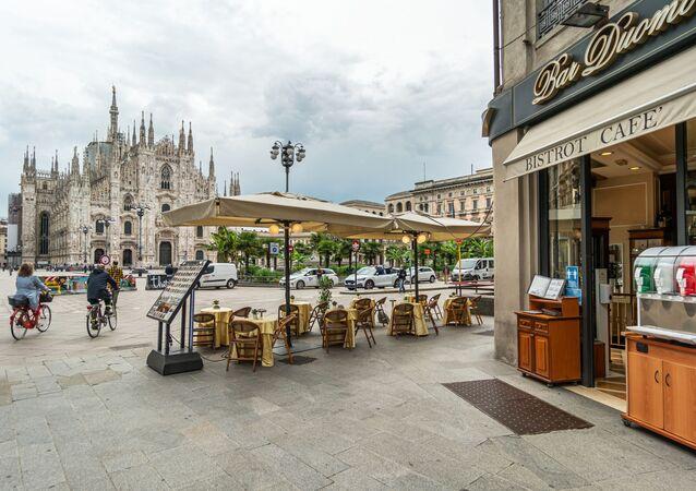 Kawiarnia w Mediolanie, Włochy.