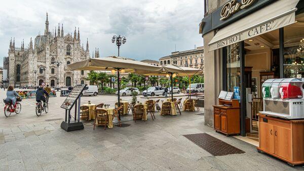 Kawiarnia w Mediolanie, Włochy - Sputnik Polska