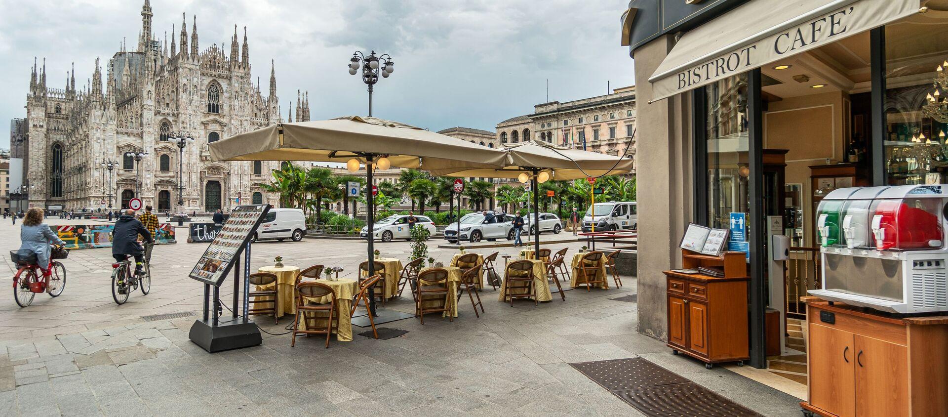 Kawiarnia w Mediolanie, Włochy - Sputnik Polska, 1920, 04.05.2021