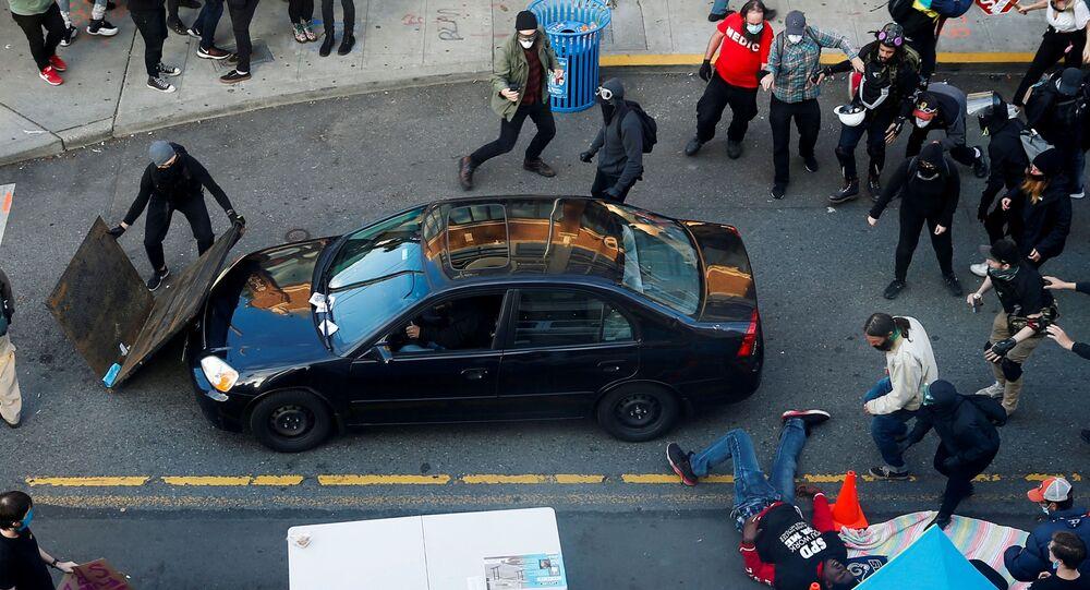 Samochód wjechał w tłum demonstrantów w Seattle
