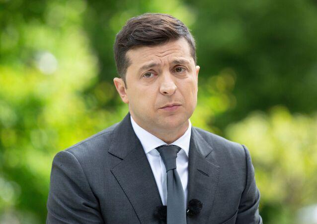 Prezydent Ukrainy Wołodymyr Zełenski na konferencji prasowej poświęconej pierwszej rocznicy swojej kadencji