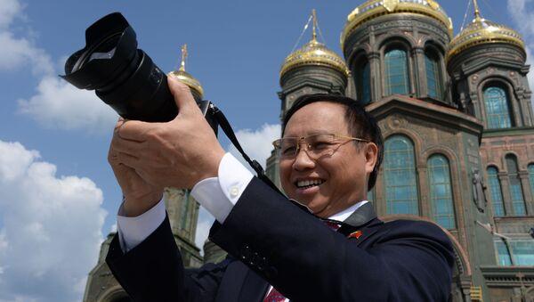"""Ambasador Wietnamu w Rosji Nông Đức Mạnh w parku """"Patriot"""" - Sputnik Polska"""