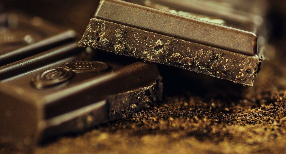Kawałki gorzkiej czekolady