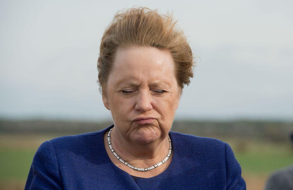 Kanclerz Niemiec Angela Merkel przy silnym wietrze w północno-wschodnich Niemczech, 25 października 2019 r.
