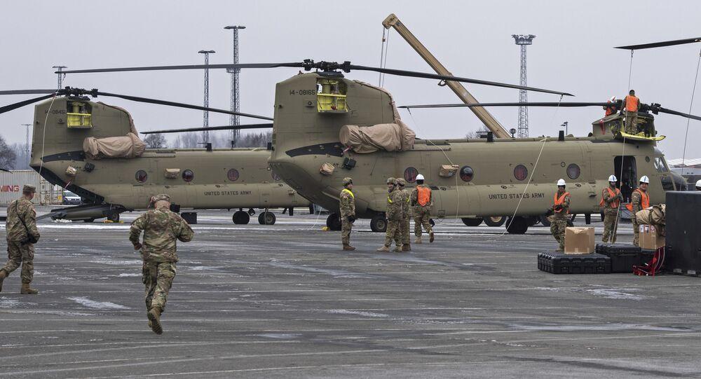 Sprzęt wojskowy USA podczas transportu do Bremerhaven, Niemcy