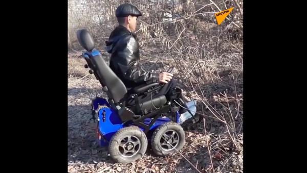 Terenowy wózek inwalidzki - Sputnik Polska