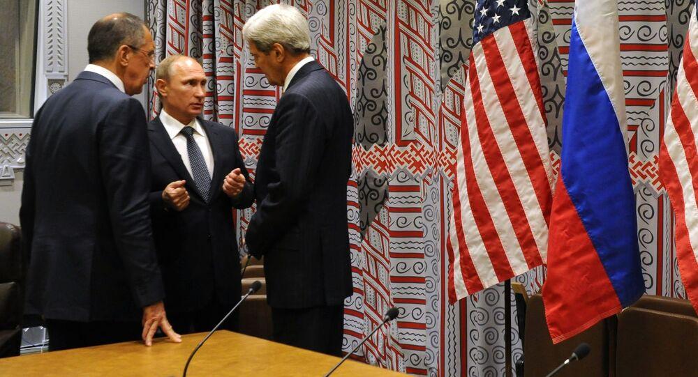 Prezydent Rosji Władimir Putin, minister spraw zagranicznych FR Siergiej Ławrow i sekretarz stanu USA John Kerry rozmawiają w ramach 70. sesji Zgromadzenia Ogólnego ONZ w Nowym Jorku
